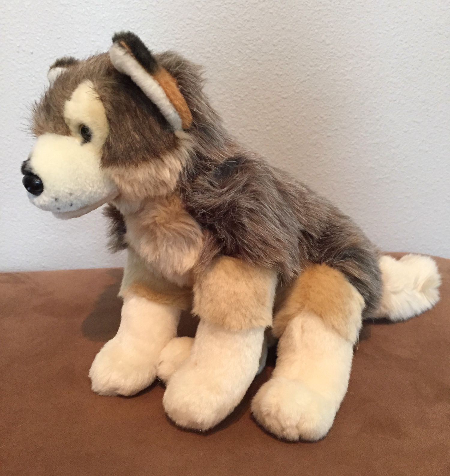 wolf plush side Nov2015